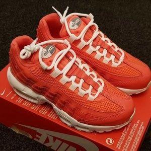 Nike Air Max 95  sneakers new in box 807443-802